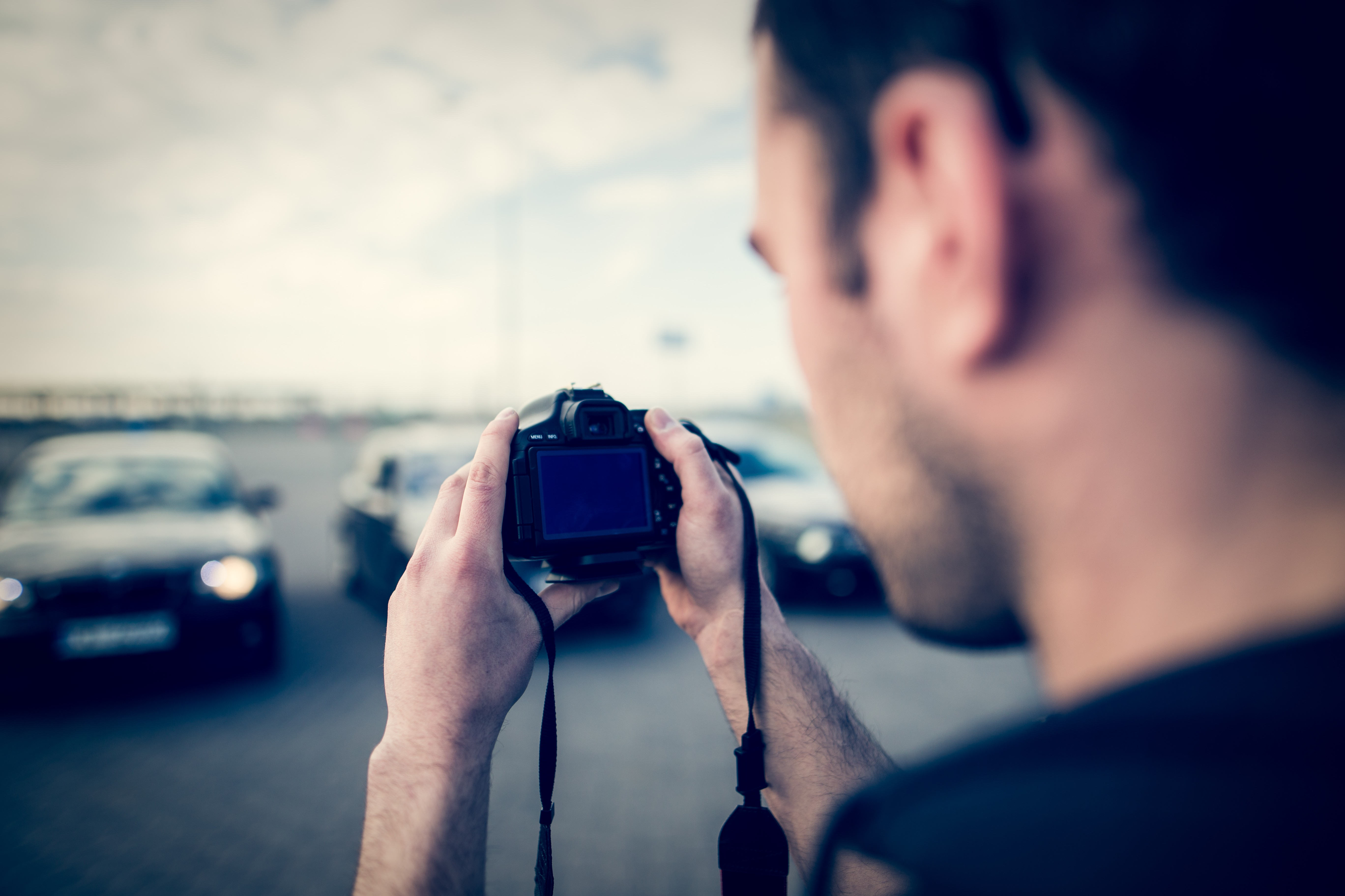 How to Take the Right Photos for Your Car Ad